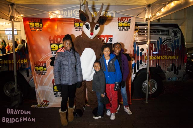 (1) Circle of Lights 2017 - Hot 96.3