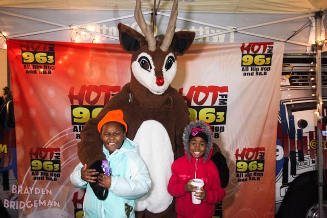 (2) Circle of Lights 2017 - Hot 96.3