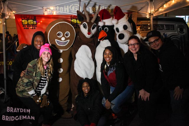 (3) Circle of Lights 2017 - Hot 96.3