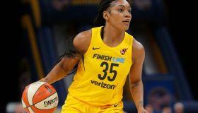 WNBA: JUN 08 Dallas Wings at Indiana Fever